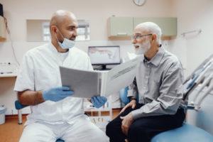 Como trabalha um dentista da família